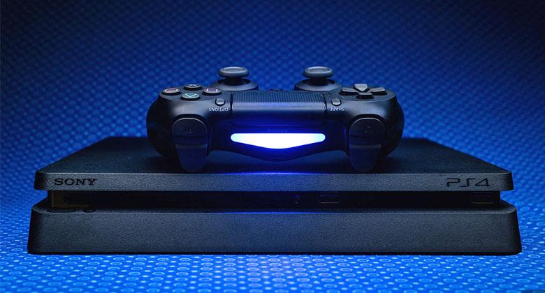 PlayStationu 4 se v prodejích skvěledaří