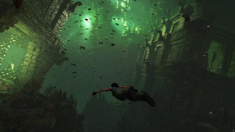 Lara Croft ukazuje bojové taktiky a přežívání podvodou